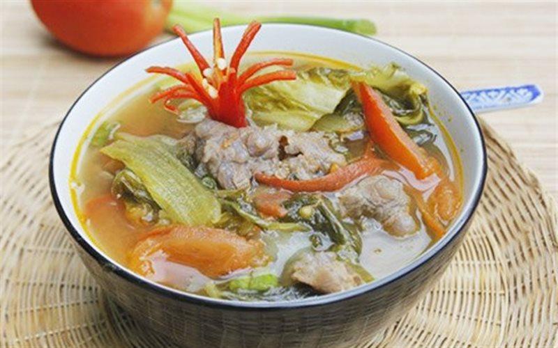 Cách làm Canh Dưa Cải Chua Và Thịt Bò đưa cơm trong bữa ăn