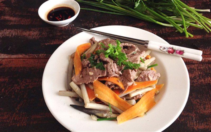 Cách Làm Thịt Bò Xào Ngó Sen Thơm Ngon Đơn Giản