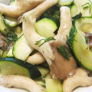 Cách làm dưa chuột xào nấm