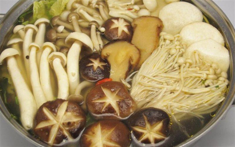 Cách nấu Lẩu Nấm Chay tại nhà cho ngày Tết thanh đạm