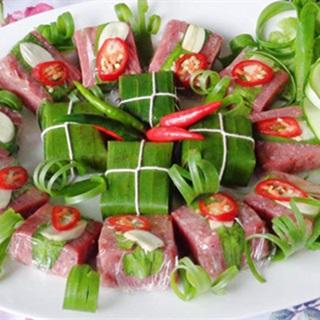 Cách làm nem chua với thịt bò