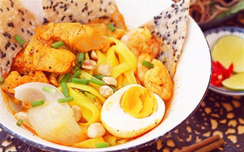 Cách nấu Mì Quảng tôm thịt - món ngon đúng điệu chất Quảng