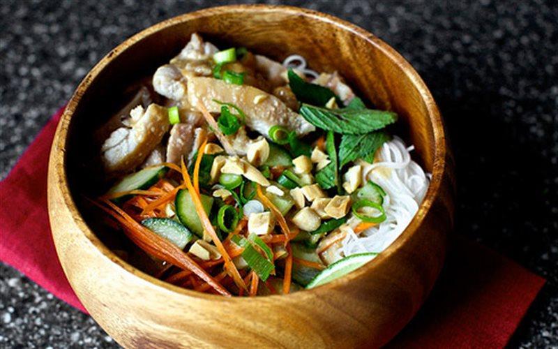 Cách Làm Mì Trộn Thịt Gà Thơm Ngon Đơn Giản Ở Nhà
