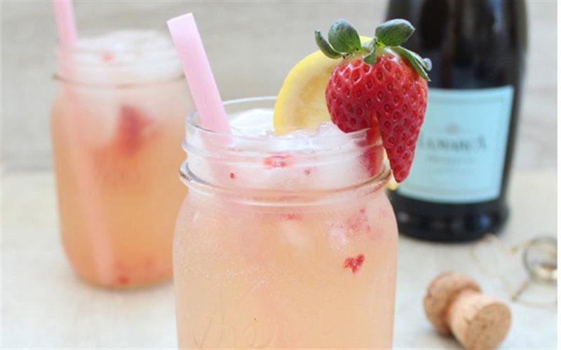 Cách Pha Cocktail Rượu Chanh Cho Buổi Tiệc Nhỏ