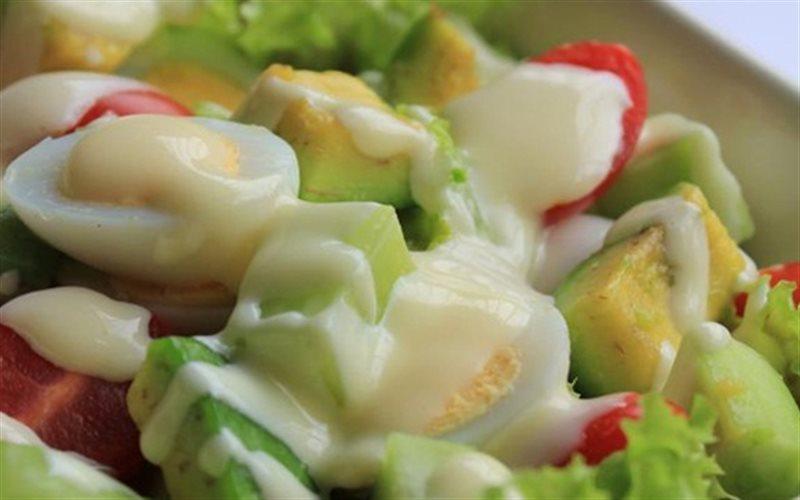 Cách Làm Salad Bơ Trứng Sốt Mayonnaise Béo Ngậy