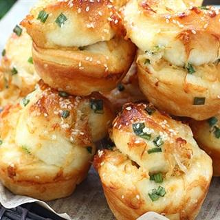 Cách Làm Bánh Mì Cuộn Với Chà Bông Ăn Vặt Bổ Dưỡng