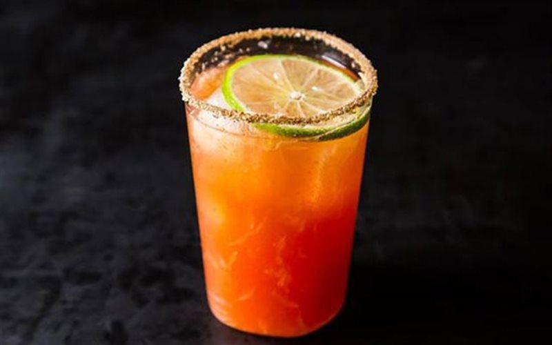 Cách Pha Cocktail Michelada Cực Mát Lạnh Ngày Hè