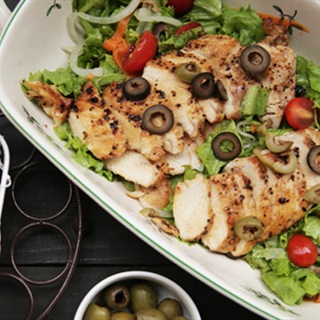 Cách Làm Salad Gà Nướng Thơm Ngon Đơn Giản Ở Nhà