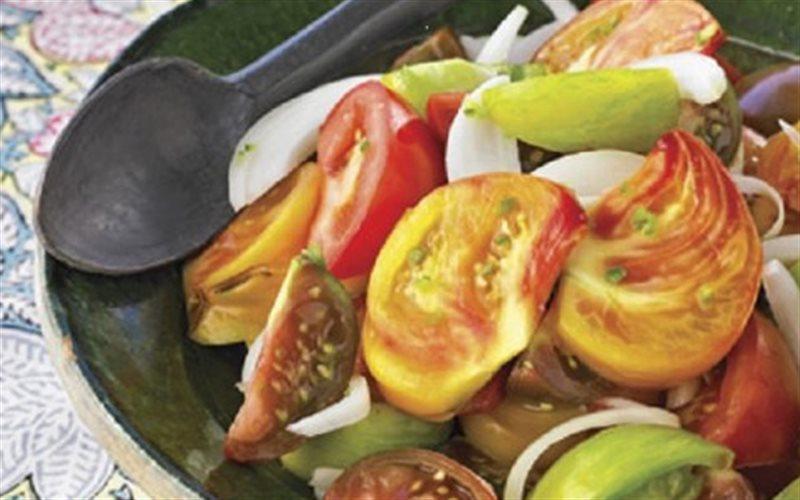 Cách Làm Salad Cà Chua Hành Tây Thơm Ngon Đơn Giản