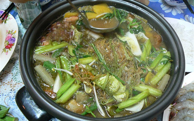 Cách nấu Lẩu Mắm cá linh miền Tây chuẩn bị ngon tại nhà