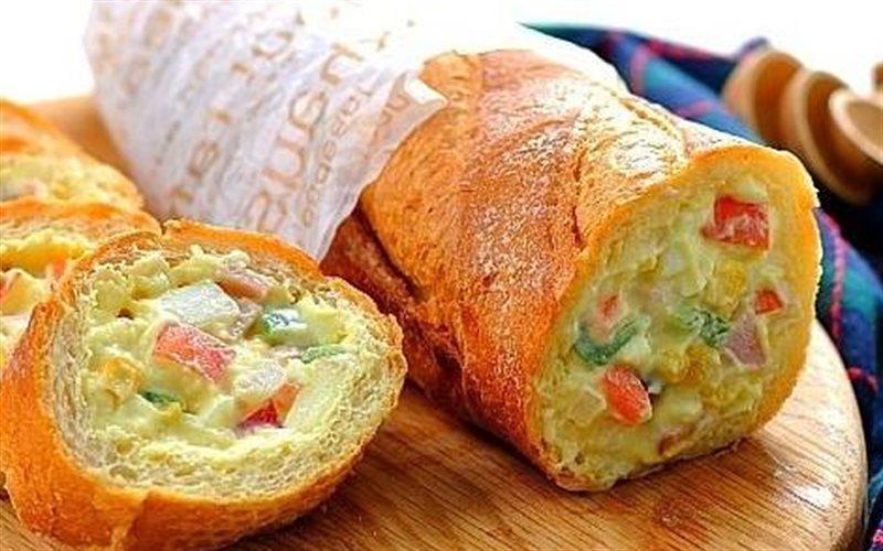 Cách Làm Bánh Mì Nhồi Salad Khoai Tây Ngon Miệng