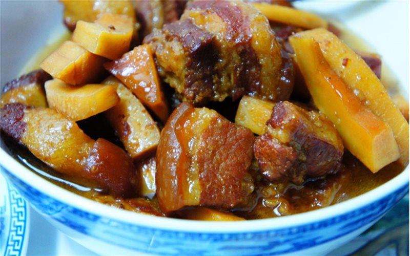 Cách làm Thịt Kho Dừa đậm đà cho ngày Tết cổ truyền