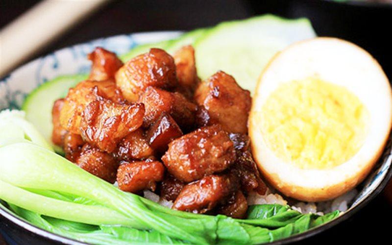 Cách Làm Thịt Heo Om Trứng Cho Bữa Cơm Gia Đình