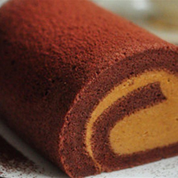 Bánh bông lan cuộn đơn giản và đẹp mắt