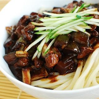 Cách làm Mì Đen Hàn Quốc hấp dẫn, vị ngon đúng chuẩn