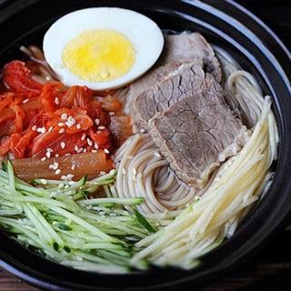 Cách làm Mì Lạnh Hàn Quốc đơn giản tại nhà cực thơm ngon