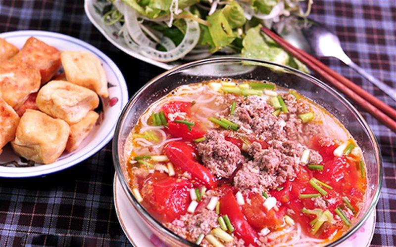 Cách nấu Bún Riêu Cua Chua Chua đơn giản cho cả nhà
