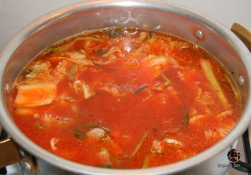 Cách Nấu Lẩu Kim Chi chuẩn vị Hàn Quốc chua cay tê tái đầu lưỡi - ảnh 1.