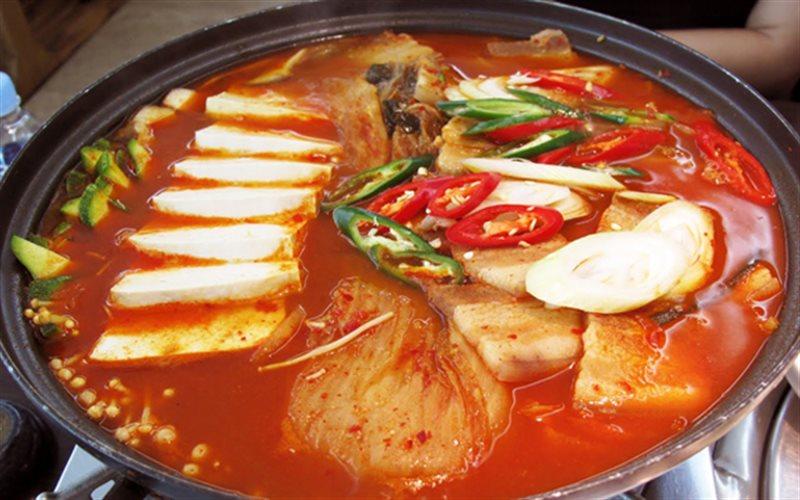 Cách Làm Lẩu Kim Chi Hàn Quốc | Đơn Giản, Cay Thơm