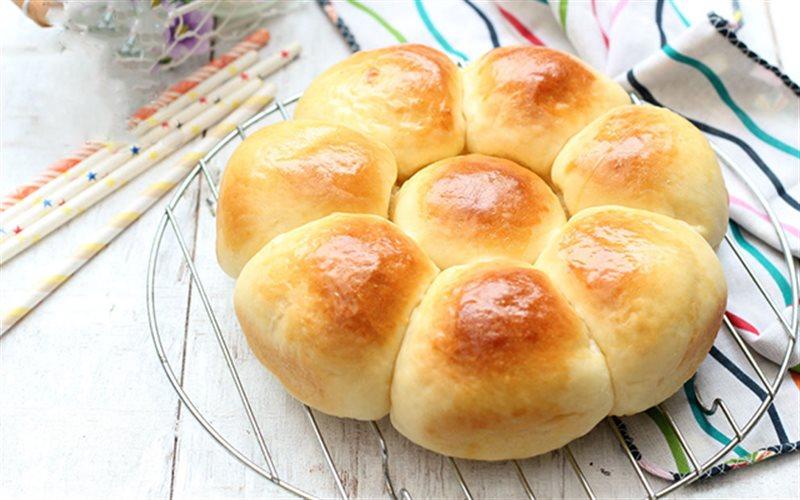 Cách Làm Bánh Mì Mật Ong Nướng Xốp Mềm Thơm Ngon