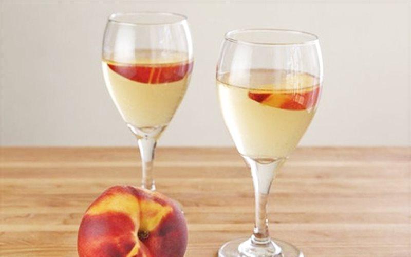 Cách Làm Cocktail Đào Chuẩn Ngon Cho Buổi Tiệc