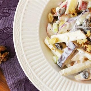 Cách Làm Salad Táo Mix Hạt Hồ Đào Ngon Khó Cưỡng