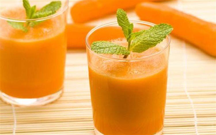Cách làm nước cam cà rốt vị gừng