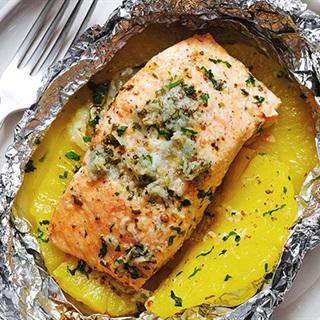 Cách làm cá hồi nướng với sốt bơ chanh