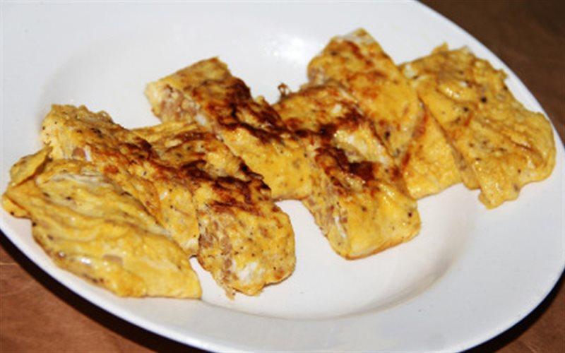 Cách làm Trứng Chiên Củ Cải cho chén cơm thêm ngon lành