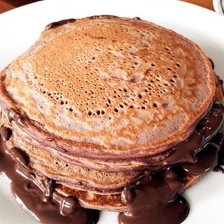 Cách làm Bánh pancake dâu quế