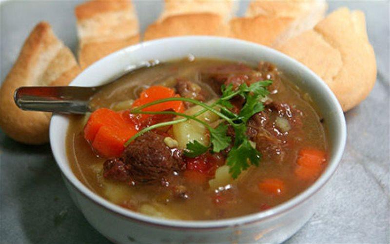Cách làm Bò Nấu Sốt Vang thơm ngon, đậm đà cho bữa tiệc