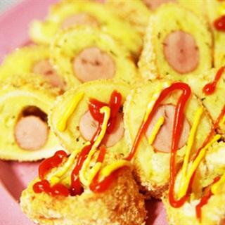 Cách làm Trứng Cuộn Pate Xúc Xích béo ngậy cho bé