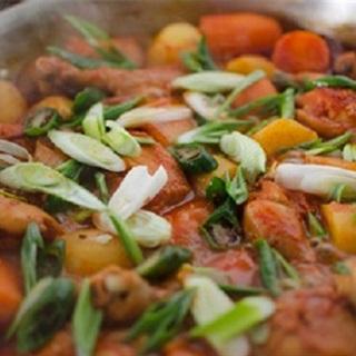Cách làm thịt gà hầm cay kiểu Hàn