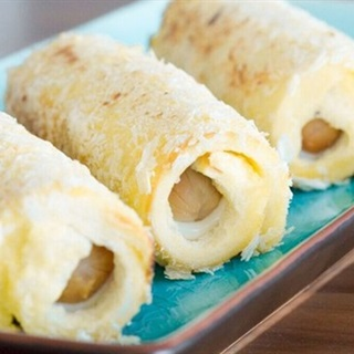 Cách Làm Bánh Mì Cuộn Xúc Xích Kèm Phô Mai Hấp Dẫn