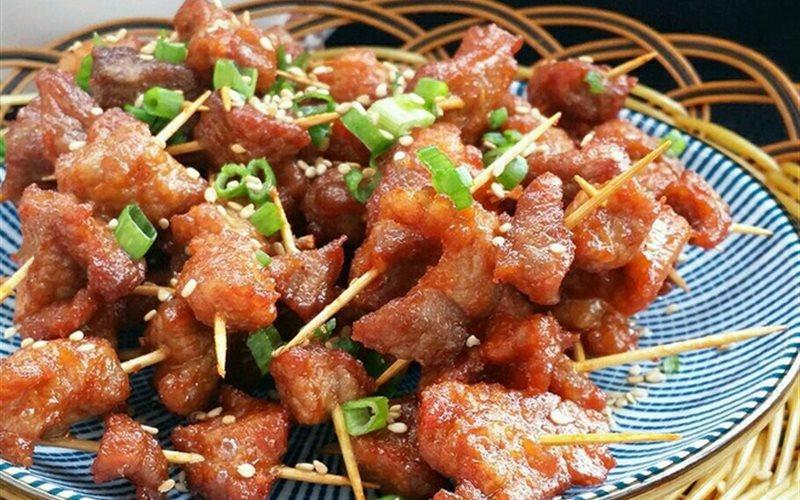 Cách Làm Thịt Thăn Xiên Chiên Thơm Ngon Đậm Vị