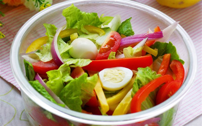 Cách Làm Salad Sắc Màu Hấp Dẫn Thanh Mát Đơn Giản