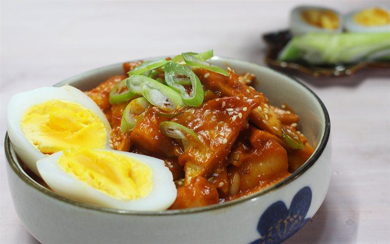 Cách Làm Bánh Gạo Cay Hàn Quốc Tokbokki