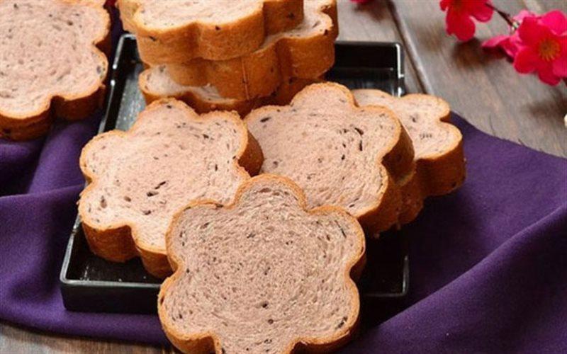 Cách Làm Bánh Mì Sữa Nếp Cẩm Hình Hoa Mai Đơn Giản