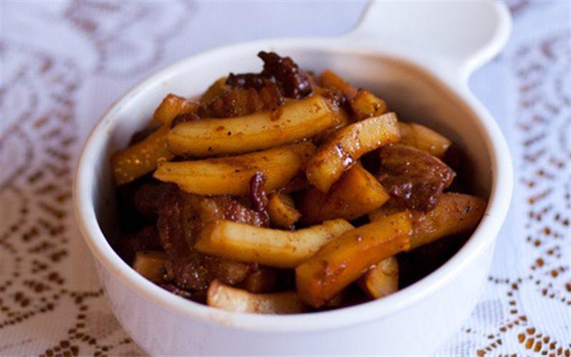 Cách làm Thịt Heo Kho Cùi Dừa thơm ngon cho bữa cơm
