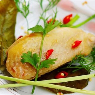 Cách làm Thịt Gà Hấp Muối với rượu trắng thơm ngon