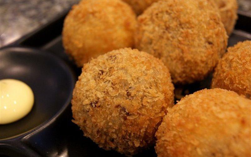 Cách làm bánh khoai tây Korokke kiểu Nhật