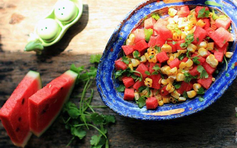 Cách làm Salad Dưa Hấu Trộn Bắp thanh mát, dễ làm tại nhà