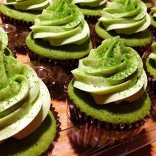 Cách làm cupcake trà xanh cho đêm noel