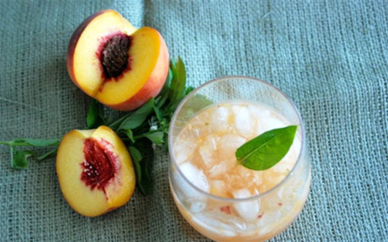 Cách Làm Cocktail Đào Tươi Mát Lạnh Giải Nhiệt