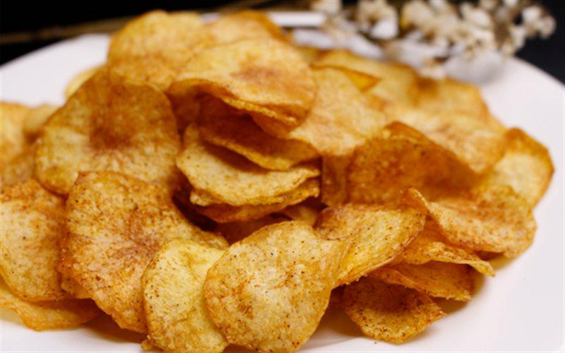 Cách Làm Snack Khoai Tây Giòn Rụm Để Cả Nhà Ăn Vặt