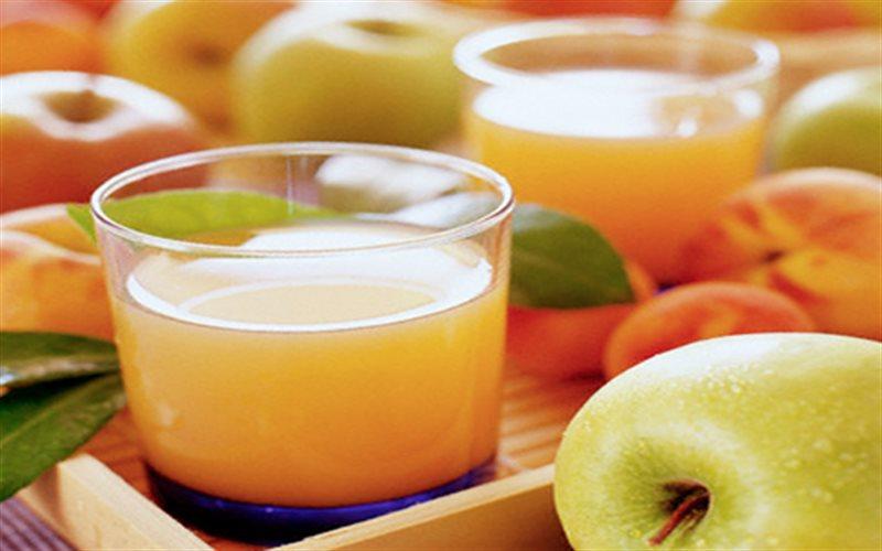 Cách làm nước ép táo bằng máy xay sinh tố
