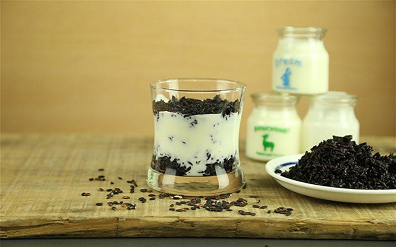 Cách Làm Nếp Cẩm Sữa Chua Dẻo Mềm Ngon Đơn Giản