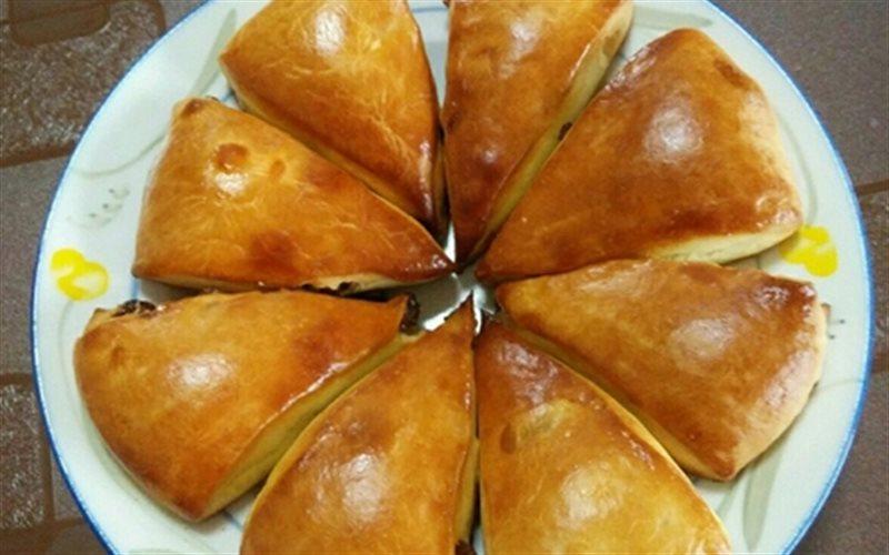 Cách làm Bánh Trứng Nhân Nho Khô ngon y như ngoài hàng