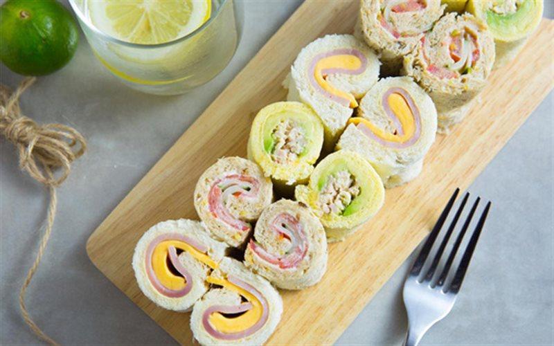 Cách Làm Sandwich Cuộn Nhanh Gọn Cho Bữa Sáng