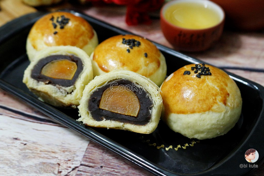 Cách Làm Bánh Trung Thu Trứng Muối Đài Loan Thơm Ngon Độc Đáo - ảnh 2.